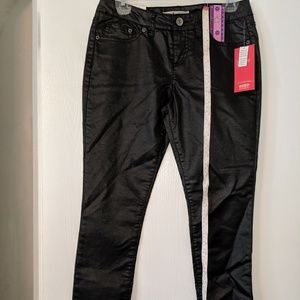 NWT NO BOUNDARIES  LADIES 9 FAUX LEATHER BLK PANTS